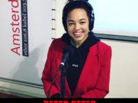 Luister terug: zangeres Tjindjara bij Beter Peter