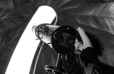 Beleef 'Observatorium' van Eva Pyrnokoki