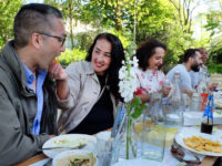 Vier de vrijheid door eten en verhalen te delen in de Tolhuistuin