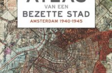 Bianca Stigter brengt Amsterdam als bezette stad in kaart, woord en beeld
